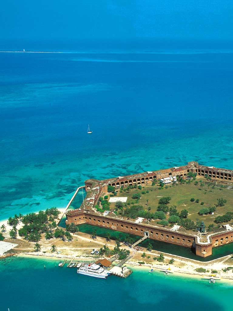 aerial photo of dry tortugas island