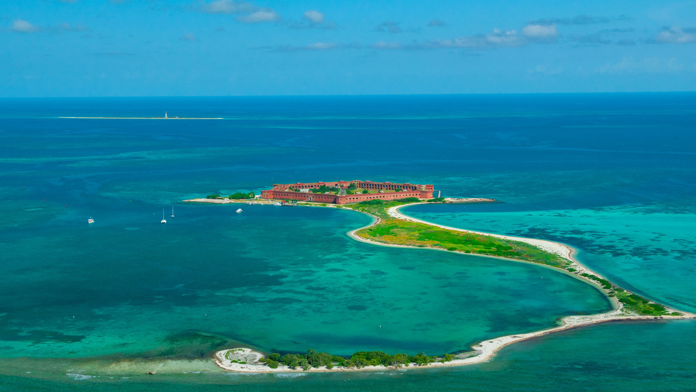 photo of the yankee freedom three at the dry tortugas Desktop